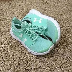 Under Armour gym shoes/sneakers